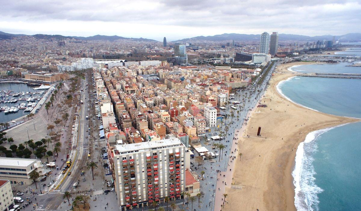 Barceloneta charming flat close to the beach ideal buy to let